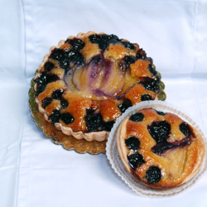 blueberry-and-pear-frangipane-tart